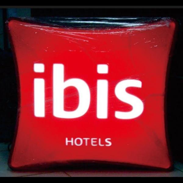 Foto Dari Logo Emboss 0