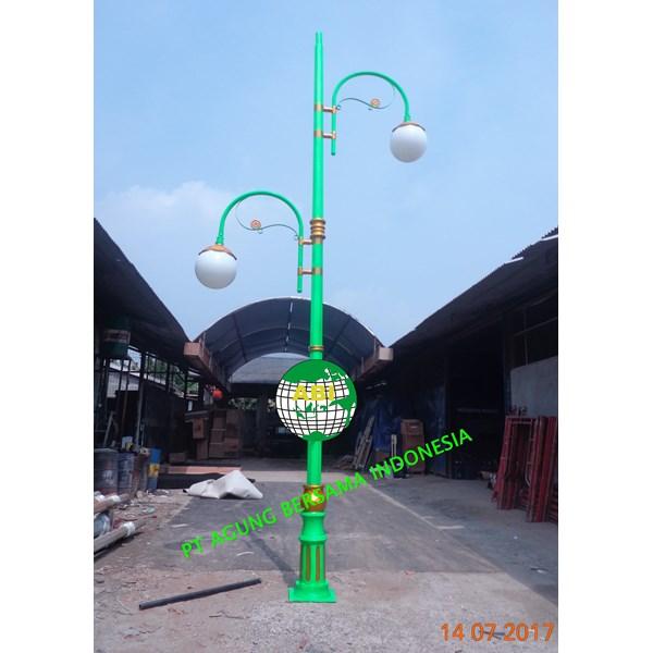 Tiang Lampu Penerangan Jalan Umum (  PJU )