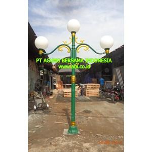 Model Tiang Lampu Taman DPR