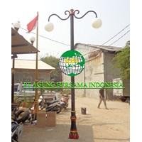 Tiang Lampu Taman Antik 4 Meter