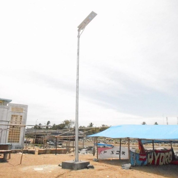 Tiang Lampu Jalan Solar Cell all in one