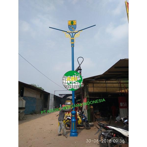 Price of Antique Garden Electric Poles