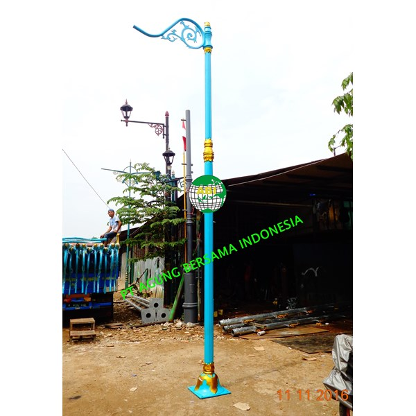 Tiang Lampu Dekoratif Single Ornament