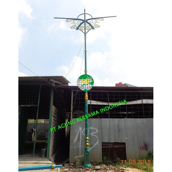 Model Tiang Lampu Taman Depan Rumah