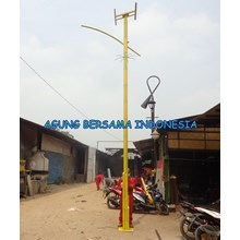 Tiang Lampu PJU Solar Cell Bambu kuning