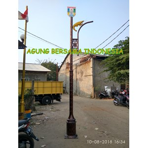 Tiang Lampu Taman Solar Cell All in one