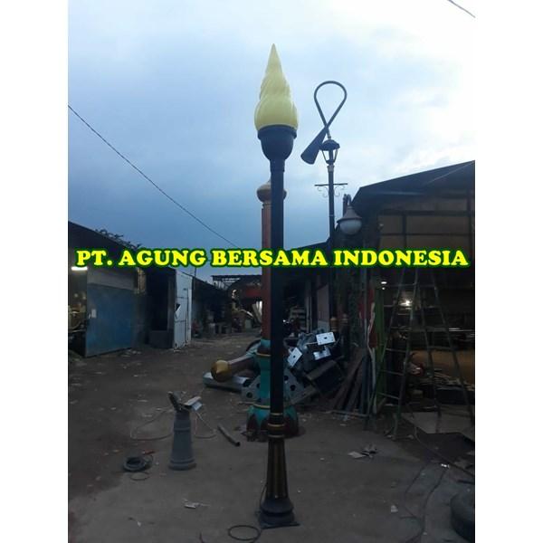 Tiang Lampu Taman Makam Pahlawan Kota Tangerang