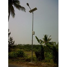 PJU pole of octagonal solar panels