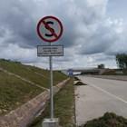 Rambu Jalan / Rambu Lalu Lintas Dilarang Berhenti 2