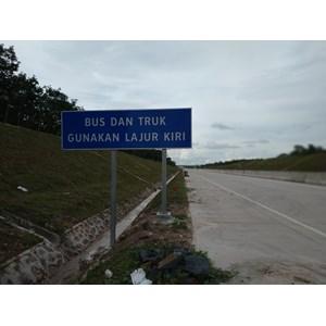 Dari Rambu Jalan / Rambu Lalu Lintas  Bus & Truk Gunakan Lajur Kiri 0