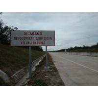 Rambu Jalan Dilarang Menggunakan Bahu Jalan Kecuali Darurat