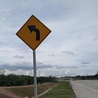 Rambu Jalan / Rambu Lalu Lintas Berkelok Ke Kiri