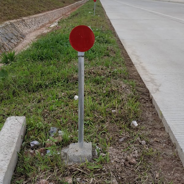Rambu Jalan Guide Post / Reflektor