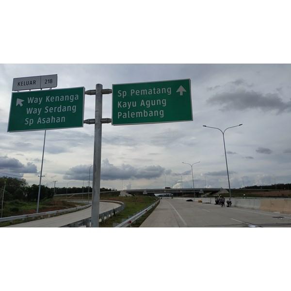 Rambu Jalan / Rambu Lalu Lintas Kupu