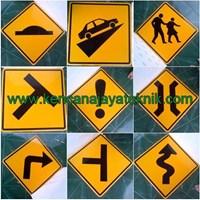 Rambu Peringatan - Keamanan Jalan Kendaraan