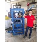 Mesin Pencetak Batako Mesin Pencetak Paving Blok 1