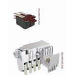 Sinyal listrik indikasi pemutus sirkit kondisi buka tutup AUX 4Q  1