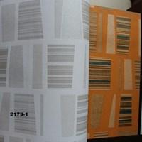 Beli WALLPAPER DAON 2179 SERIES 4
