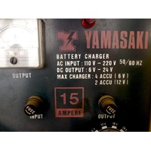 Alat Alat Kerja Lainnya YAMASAKI BATTERY CHARGER / SETROM ACCU 15 AMPERE