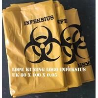 KANTONG PLASTIK LDPE KUNING LOGO INFEKSIUS uk.80 X 100 X 0.05