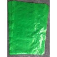 KANTONG PLASTIK PE GREEN  uk 50 X 75 cm X 0.06 mm
