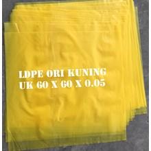 KANTONG PLASTIK LDPE ORI KUNING uk.60 X 60 X 0.05