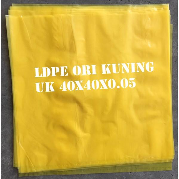 KANTONG PLASTIK LDPE ORI KUNING uk.40 X 40 X 0.05