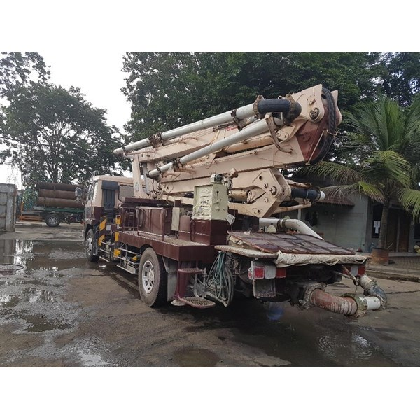 Concrete Pump Truck - Mitsubishi Kyokuto - 26M Semi (4 Arms)