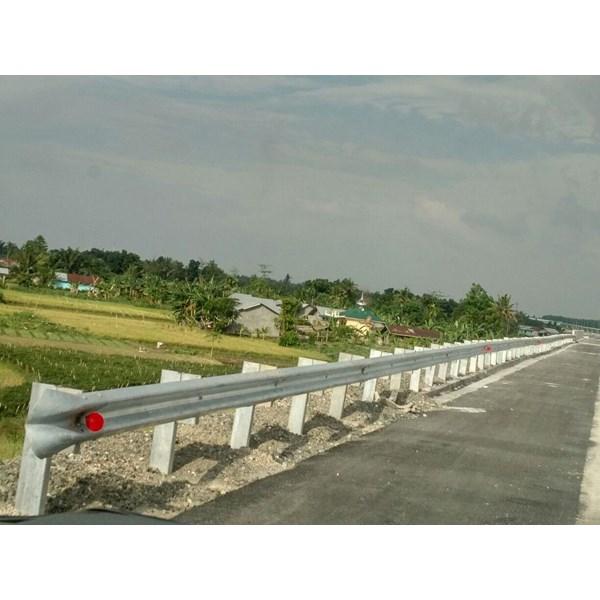Guardrail Pagar Pengaman Jalan Tebal 4.5mm