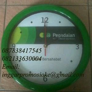 Jam dinding promosi hijau