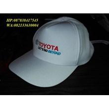 Topi putih toyota