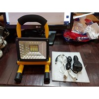 Lampu Sorot Emergency Portable LED 15W 1