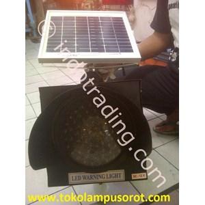Lampu Peringatan Dengan Solar Cell