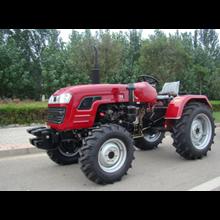 Traktor AP354