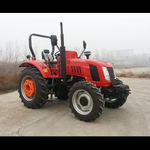 Traktor AP904