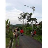 Jual Lampu Jalan Led Tenaga Surya Pjuts Lithium Sni Tkdn