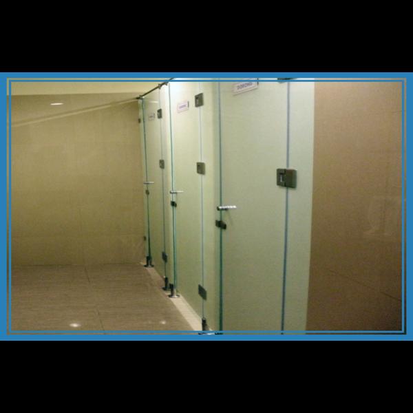 Dinding Partisi Toilet