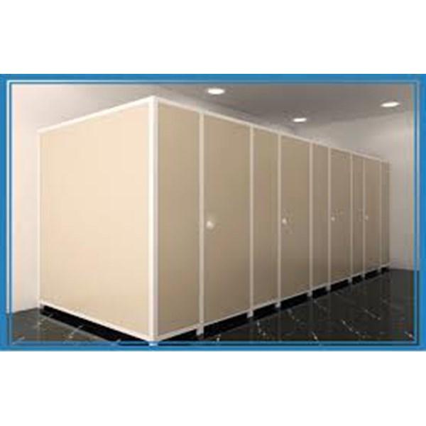 Partisi Cubicle Toilet Yang Praktis Dan Efisien