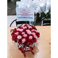 Karangan Bunga Tangan murah surabaya