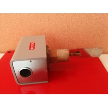 Flow Sensor atau flow switch merk johnson
