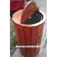 Distributor tempat sampah kayu 3
