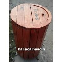 Beli tempat sampah kayu 4