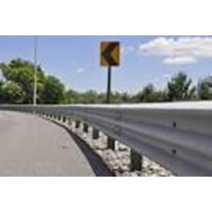 Dari Guardrail Pagar Pembatas Jalanan 1