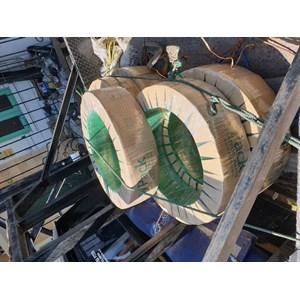Dari Tali Straping PET warna hijau dan baneser besi 2