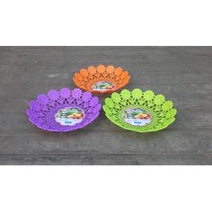 Dari Piring anyaman plastik tipe flower kode 5506 Dx produk Lucky Star warna ungu 2