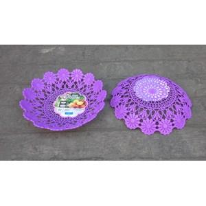 Dari Piring anyaman plastik tipe flower kode 5506 Dx produk Lucky Star warna ungu 1