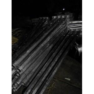 Dari Tiang Lampu Oktagonal Ornamen Model T Aksesoris Lampu Jalan   1